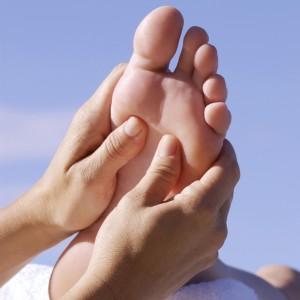 img_como_dar_un_masaje_en_los_pies_2387_orig